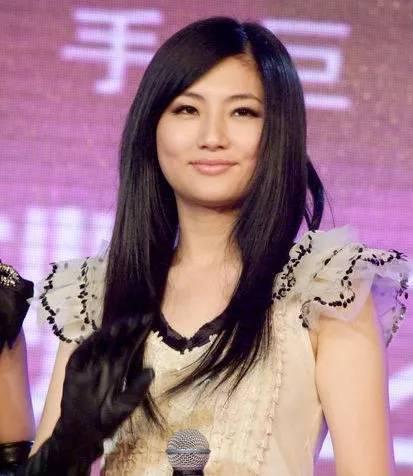 """刘亦菲不再是""""神仙姐姐"""",现在已经""""还俗""""了!-第13张图片"""